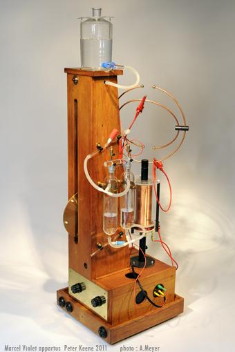 la machine de marcel violet pour  u00e9nergiser l u0026 39 eau